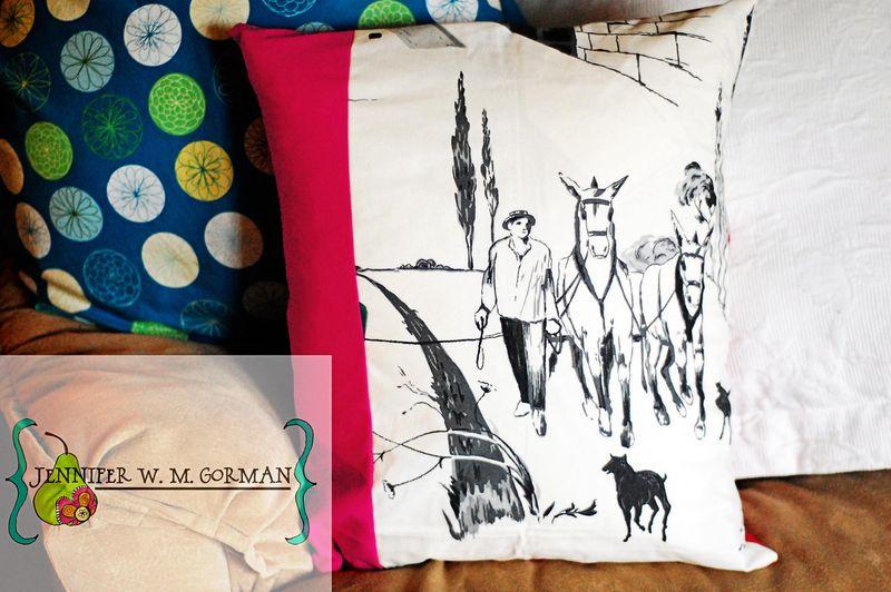 Mule pillow