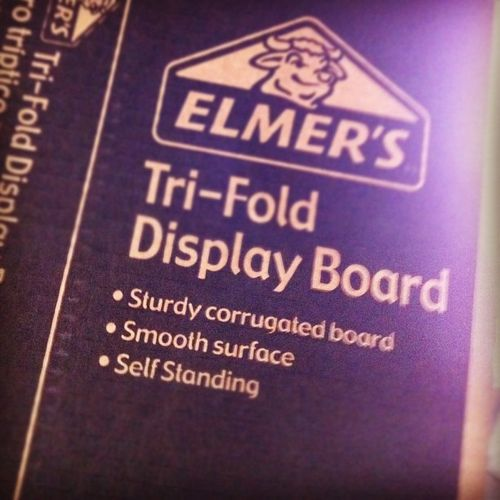 Trifold display board